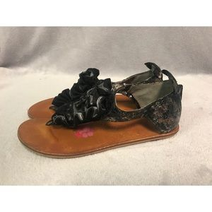 Poetic License Bow to Me Sandal - size 7.5